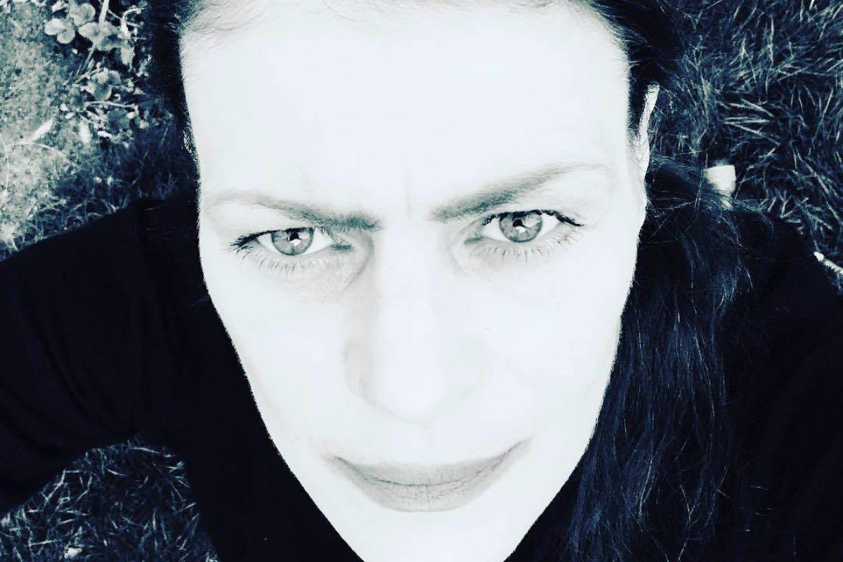 Cătălina Isopescu s-a stins din viață joi, 8 aprilie, la doar o lună după ce a împlinit 49 de ani. Vestea tristă a fost făcută publică, pe rețelele de socializare, atât de sora ei, Ioana Isopescu, cât și de iubitul acesteia, fostul concurent de la Exatlon Oltin Hurezeanu.