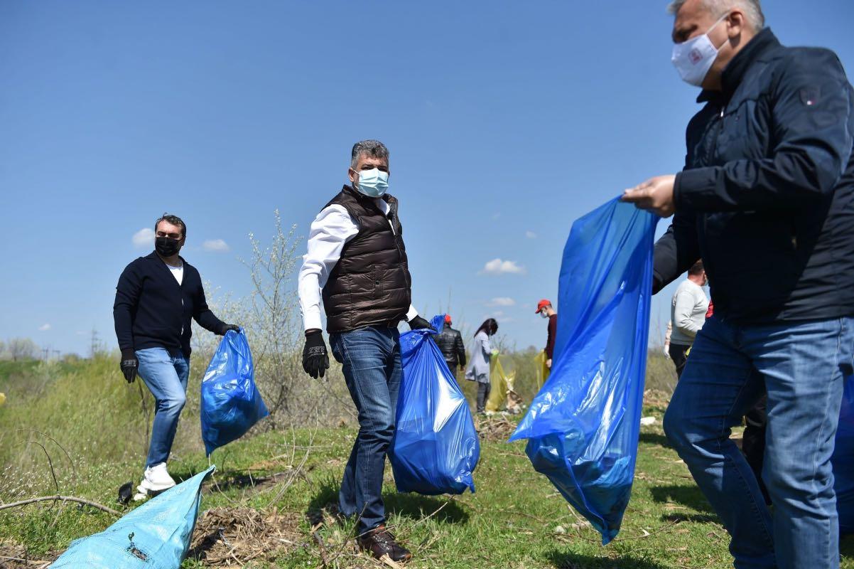 PSD a scos la acțiuni de ecologizare peste 10.000 de participanți, de Ziua Pământului - FOTO
