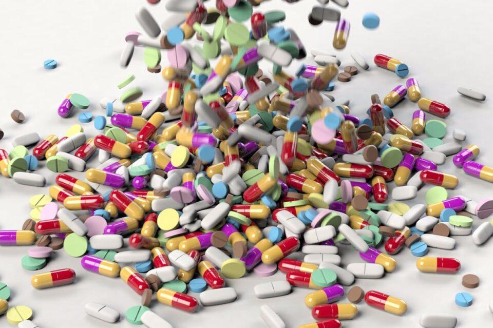 Ministerul Sănătăţii a transmis, joi, că există discontinuităţi de aprovizionare pentru 16 medicamente citostatice şi alte 3 medicamente adjuvante, iar situaţia este generată de organizarea defectuoasă a procedurilor de achiziţii centralizate.