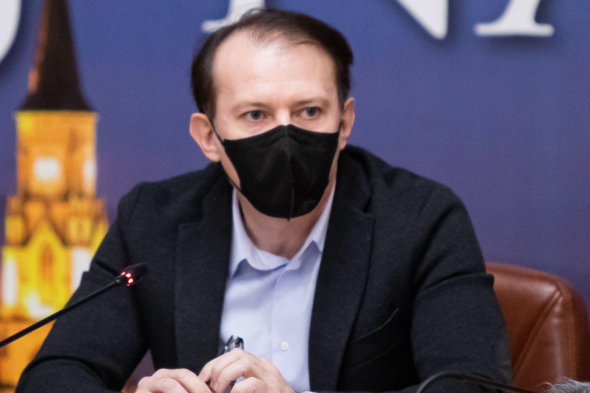 """Cîţu, despre acuzaţiile aduse de Voiculescu: Nu comentez """"opinii personale"""", dar îi asigur pe români că guvernarea este solidă"""