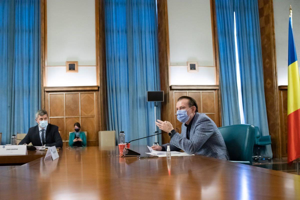 Cîțu, despre revenirea la școală a elevilor și teste non-invazive: Ministerele Educației și Sănătății vor decide