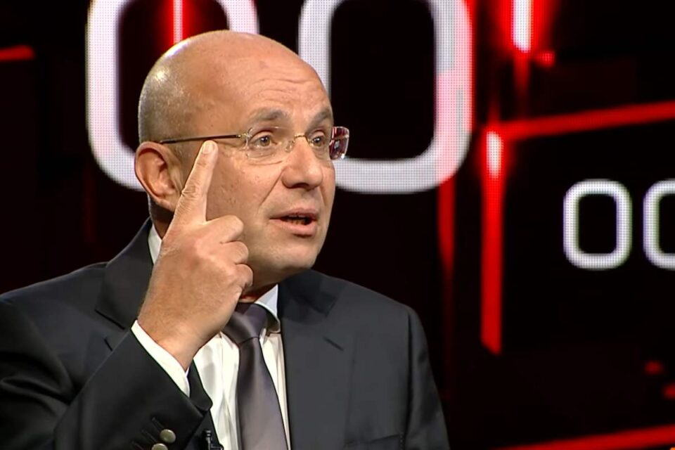 """Cozmin Gușă, aseară la """"40 de întrebări cu Denise Rifai"""", a vorbit despre umilințele îndurate în armată și pe cine a iubit, de fapt, în taină!"""