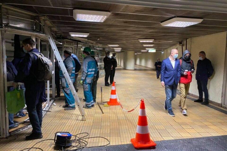 Se demolează spațiile comerciale din stația de metrou Ștefan cel Mare