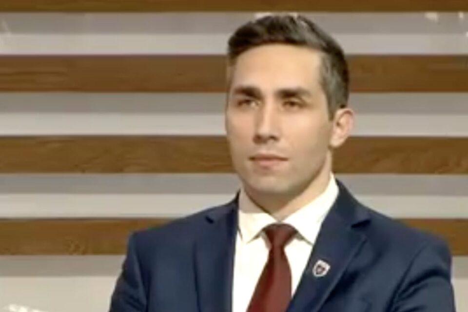 Valeriu Gheorghiţă afirmă că se continuă vaccinarea cu AstraZeneca pentru că decizia este mai ușor de explicat, comparativ cu varianta suspendării