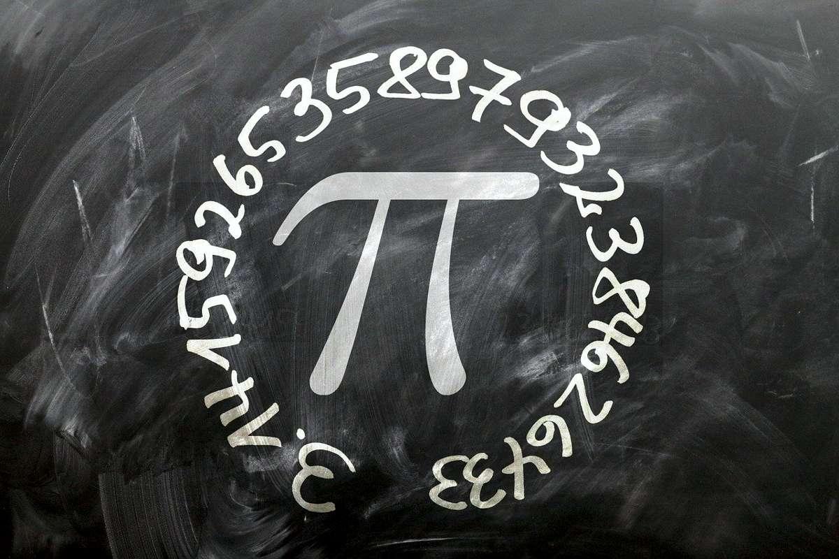 10 ianuarie Ziua matematicii, informaticii şi ştiinţelor naturii este instituită instituită prin lege