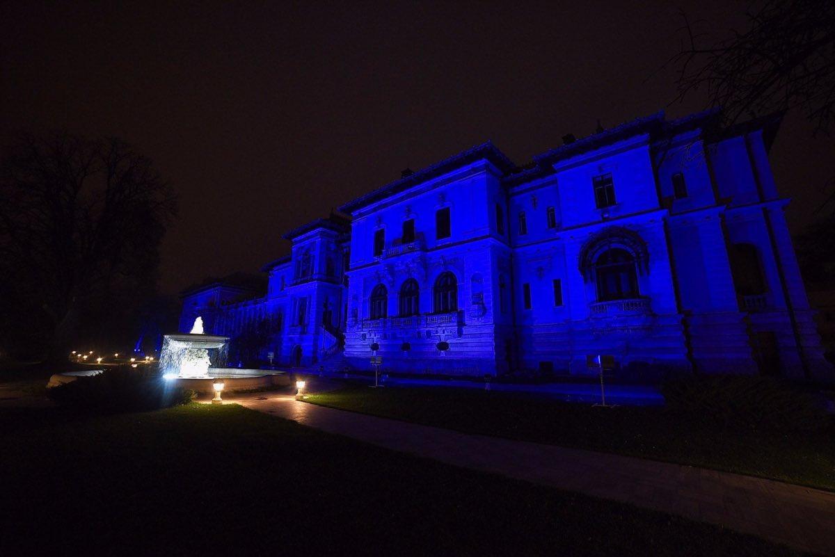 Palatul Cotroceni, iluminat în albastru de Ziua Internațională a Autismului