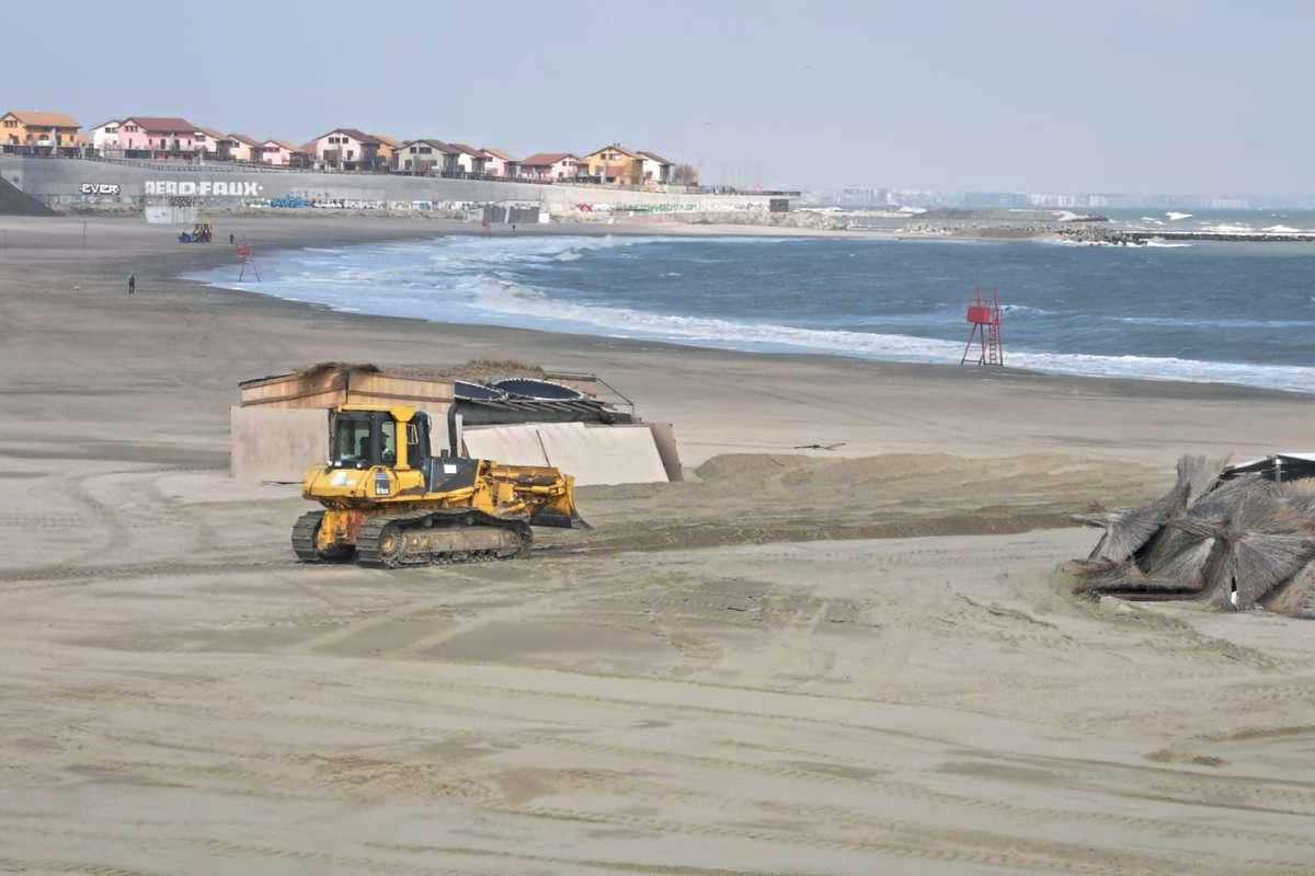 Începe sezonul estival! 300 de sectoare de plaje au fost luate în primire de operatori de turism