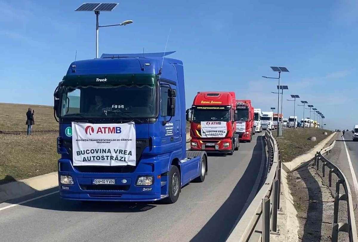 Protest pentru Autostrada A8: Sute de maşini pe drumurile din Moldova prin care oamenii cer Guvernului urgentarea construirii de autostrăzi în regiune