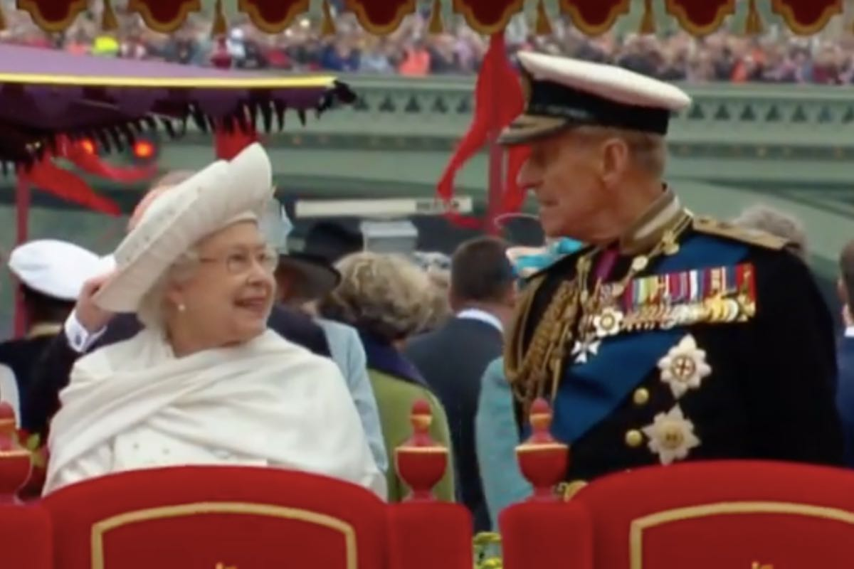 Regina Elizabeth a II-a, despre prinţul Philip: A fost, pur şi simplu, forţa mea şi a rămas în toţi aceşti ani. Iată cum îl omagiază presa internațională pe prințul consort