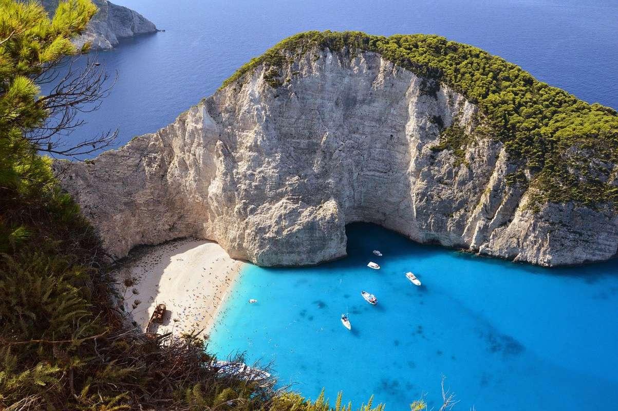 Grecia deschide graniţele pentru turişti din 16 aprilie. În ce condiții pot petrece românii vacanța în Grecia