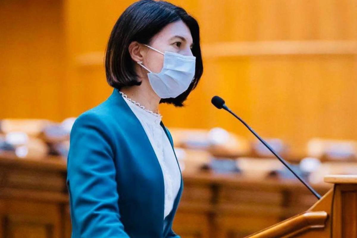 Violeta Alexandru a luat foc: Ești o rușine, PSD! Speculezi, cu un cinism înfiorător, dramele oamenilor