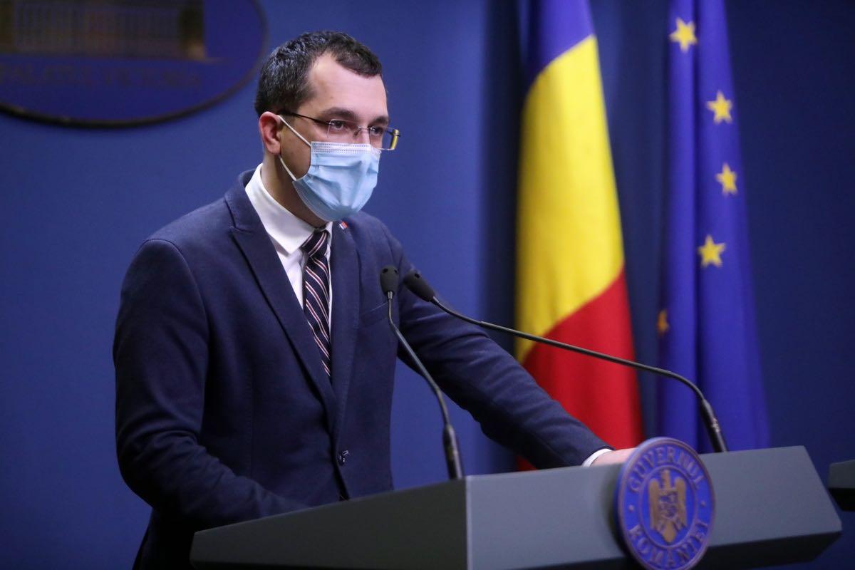 """Vlad Voiculescu: """"Suntem încă departe de imunitatea colectivă"""""""