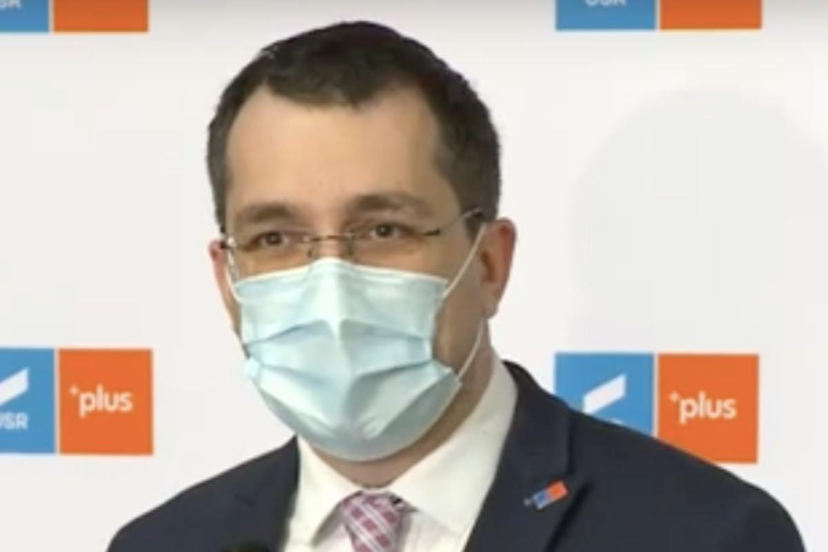 Voiculescu iese la atac și îi cere lui Cîţu să clarifice metodologia de raportare a deceselor COVID şi situaţia de la Unifarm