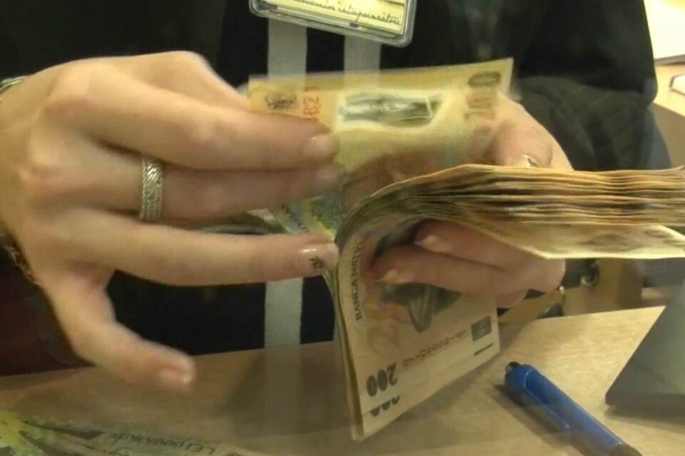 Cartel Alfa: Lunar, un român are nevoie în medie de 2.818 RON NET pentru un trai decent. Salariul minim este aproape jumătate din acea valoare