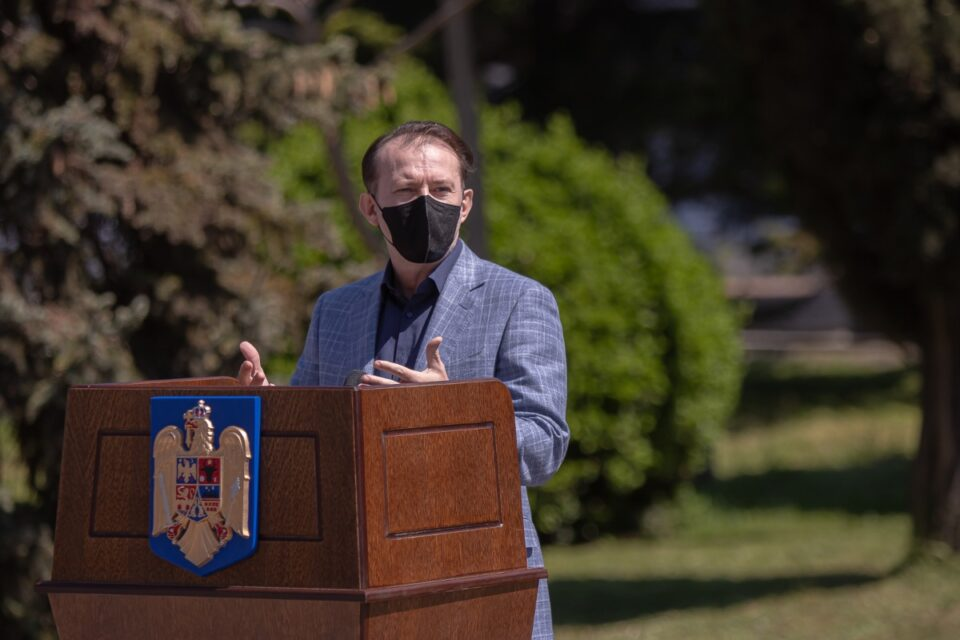 """Cîţu, fericit că România va depăși, astăzi, 3,5 milioane de vaccinați: """"Rock on, Romania!"""""""
