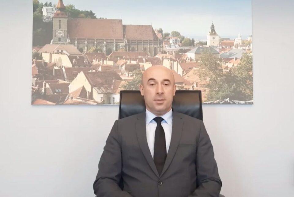 Prefectul Braşovului vrea redeschiderea piscinelor interioare