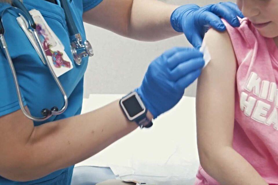 1903 copii, vaccinați anti-COVID, în ultimele 24 de ore