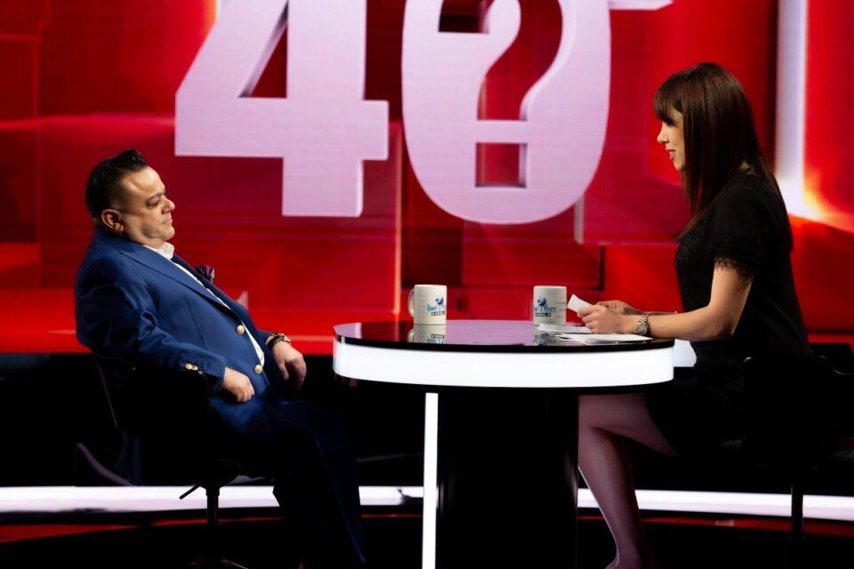 """Adrian Minune, dezvăluiri inedite, în emisiunea lui Denise Rifai: """"Mai mult decât o pereche de ciorapi și un maiou, în copilărie, nu am primit!"""""""