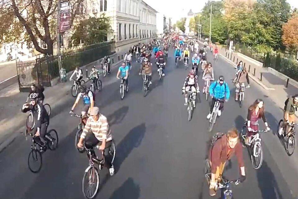 Ministrul Mediului anunță un proiect de lege pentru a reglementa pistele de biciclete: Codul Rutier trebuie regândit