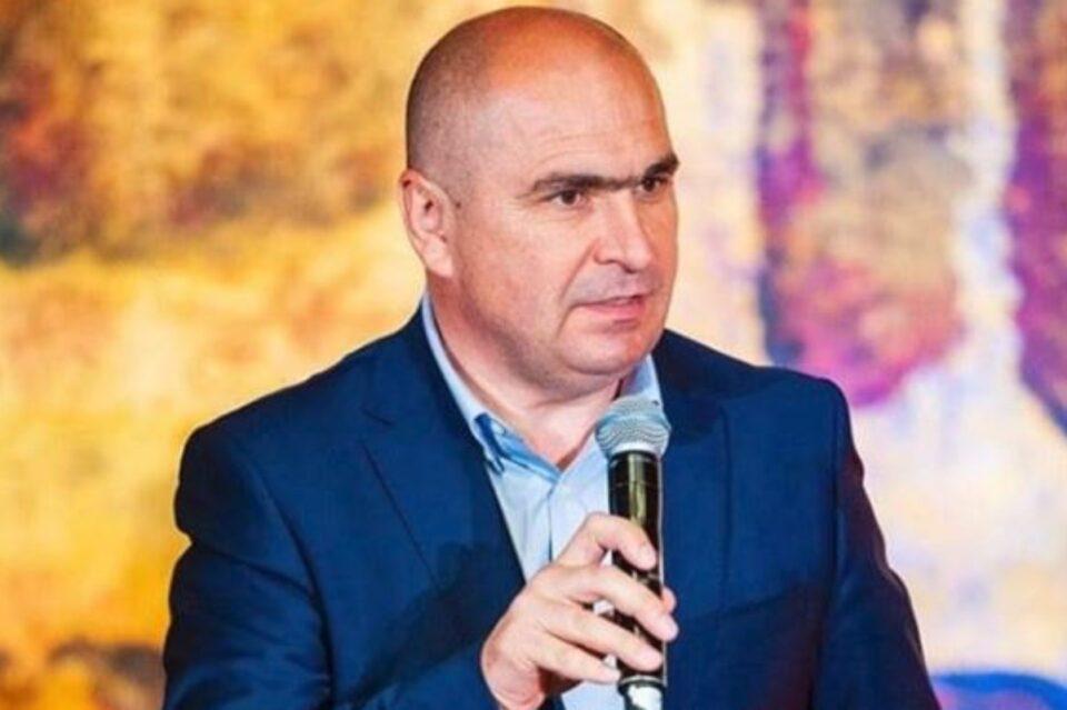 Bolojan se plânge de supraîncărcarea cu personal a sistemului public