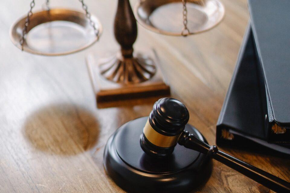 CCR judecă pe 29 iunie sesizarea privind revocarea din funcţie a Avocatului Poporului