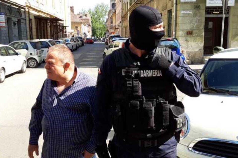 Percheziţii la casa și biroul unui executor judecătoresc din Timișoara, cercetat pentru trafic de minori şi pornografie infantilă