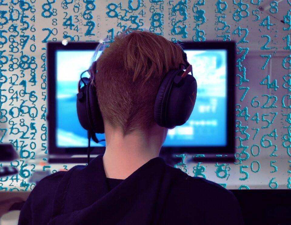 Microsoft a dezvoltat un dispozitiv pentru jocuri, ce se poate conecta la televizor