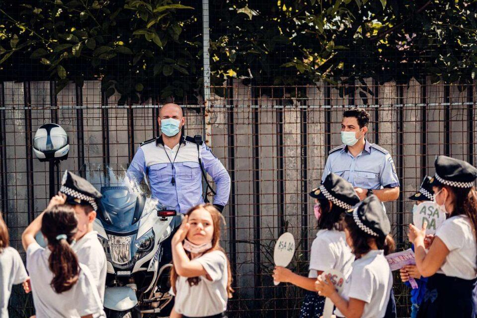 """Daniel Funeriu susține că """"e absurd ca în școală să predea doctori, polițiști și ONG-iști"""""""