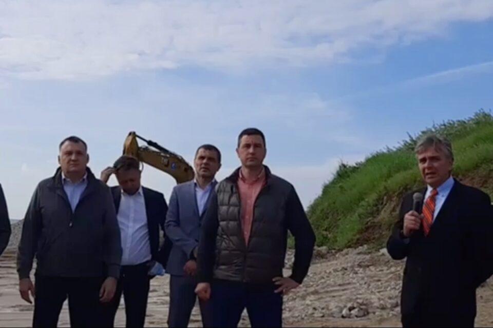 """Tanczos Barna, la începerea lucrărilor de reabilitare a plajelor din Eforie: """"Vrem să avem un litoral modern"""""""