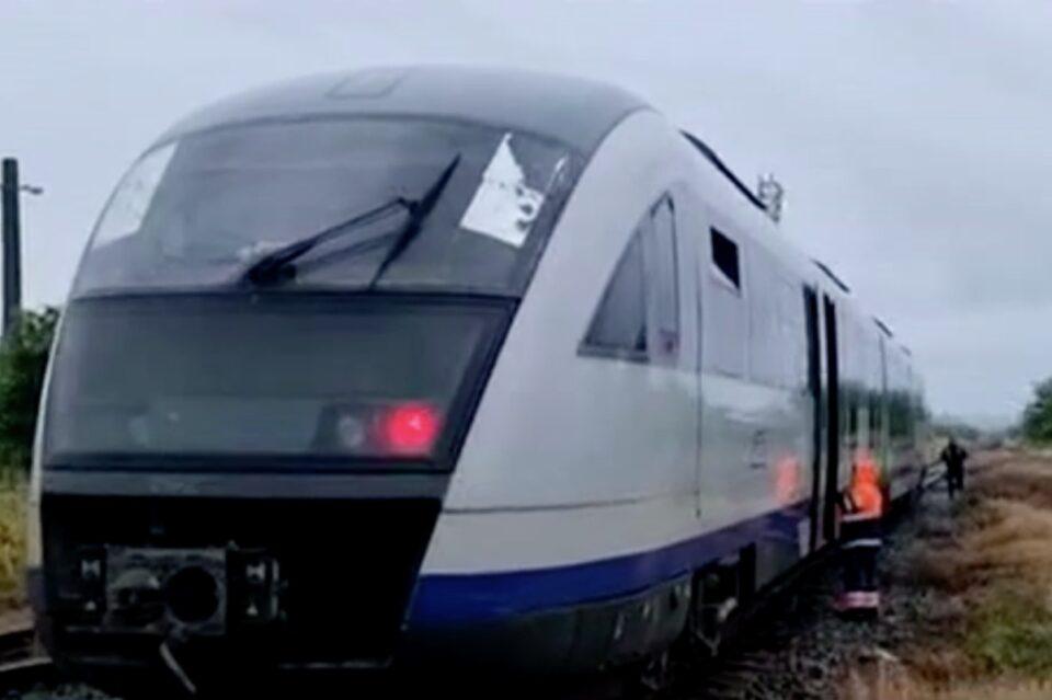 Dosar penal, după ce un tren de pasageri nu a oprit la intrarea în stația Golești și a rupt macazul