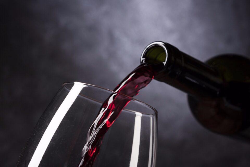 OMS are în plan să ceară femeilor de vârstă fertilă să nu bea alcool