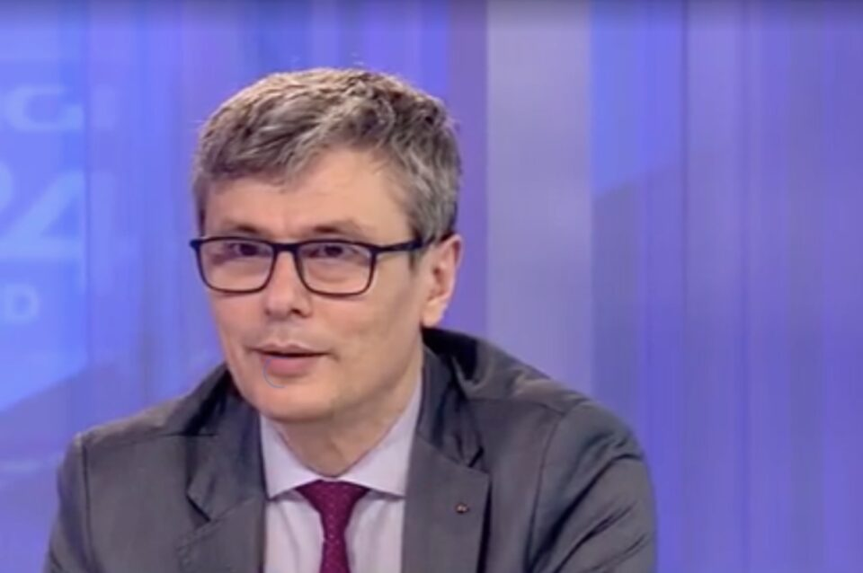 Virgil Popescu solicită intervenția ANRE și afirmă că doar furnizorii de energie sunt vinovați de creșterea prețurilor
