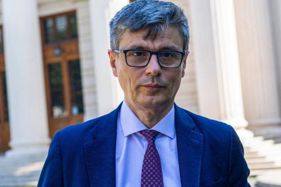 """Virgil Popescu, invitat în Parlament, la """"Ora Guvernului"""", să discute despre minerit"""