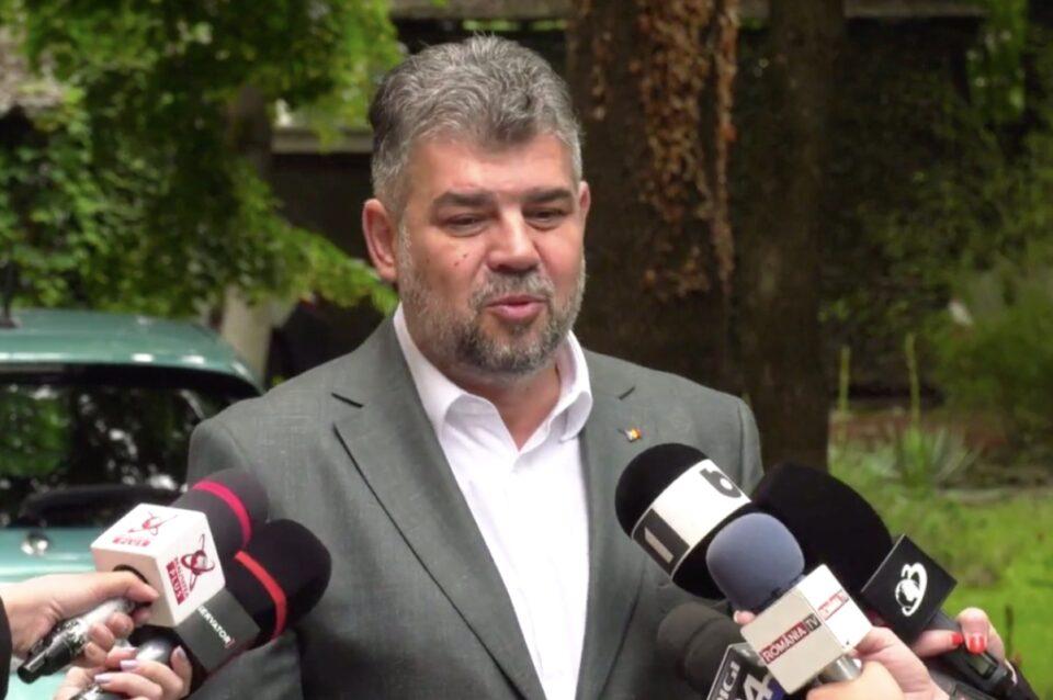 Ciolacu anunță că Simonis, deși este vaccinat, are COVID. Sunt infectați el și 10 membri ai familiei