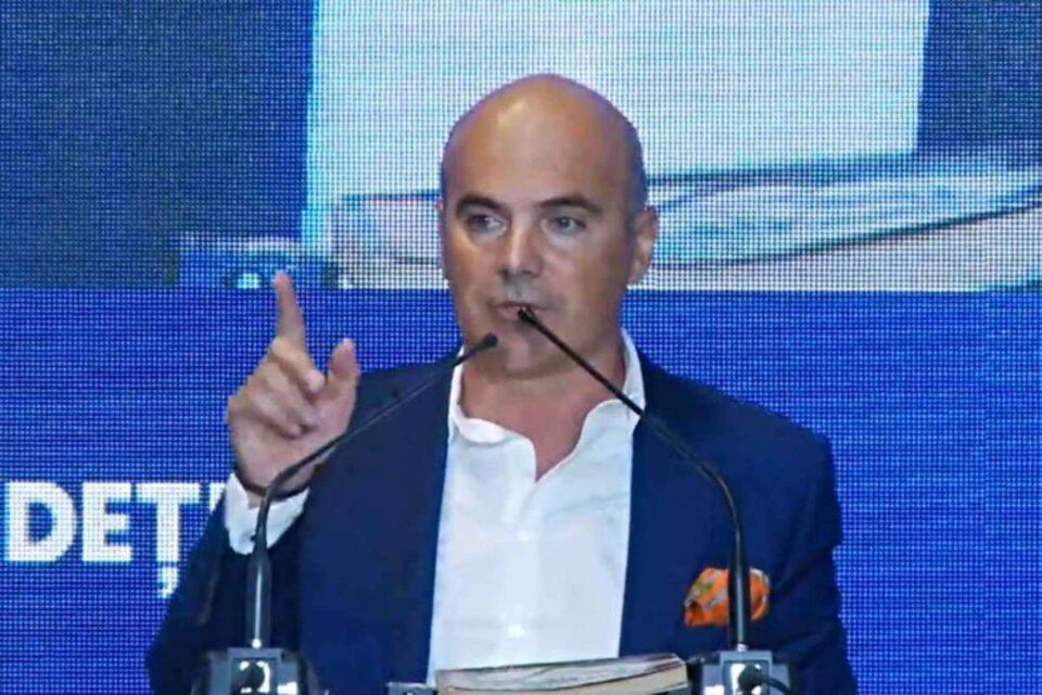 Rareș Bogdan îl provoacă pe Dacian Cioloș să fie colegi în Guvern