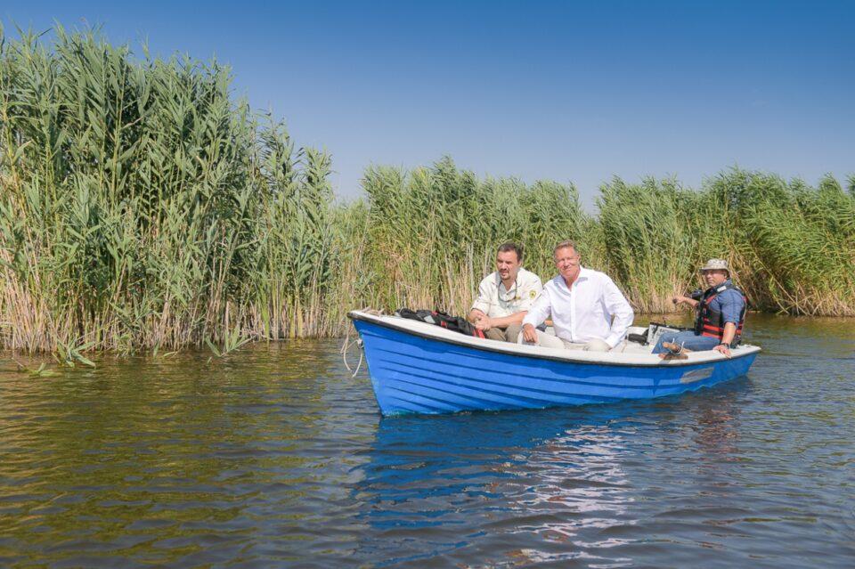 Președintele României, la plimbare în Parcul Natural Comana: Zonele protejate au o importanță mare pentru mediu