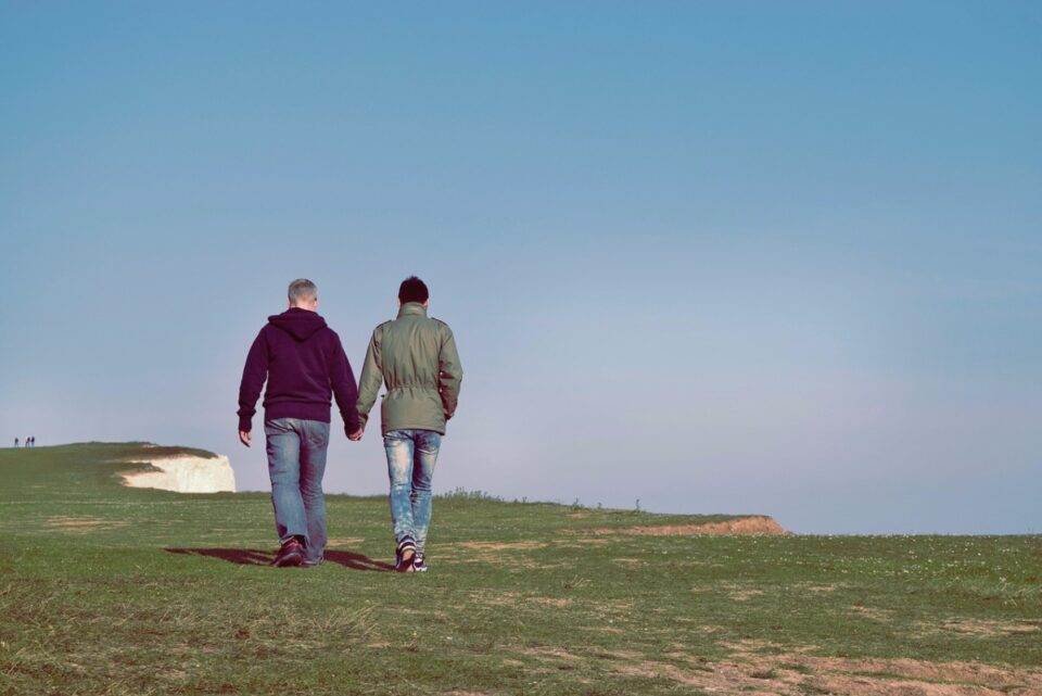 Comisia Europeană, somată să ia măsuri împotriva României, pentru că nu recunoaște căsătoriile între persoane de același sex
