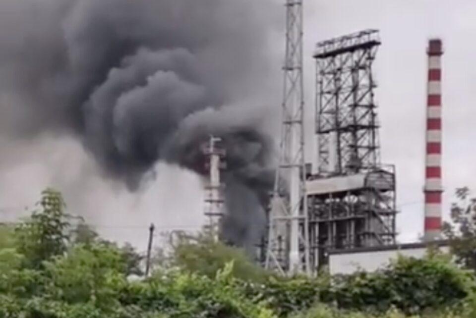 A luat foc Rafinăria Lukoil din Ploiești